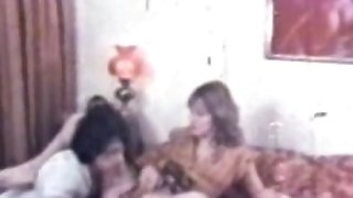 Peepshow Loops 83 70s and 80s - Scene 1