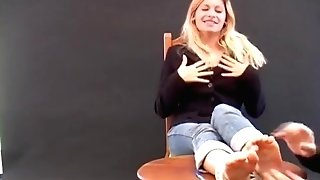 First-ever Kittle Casting Linda - Awesome French Woman With Hot Feet