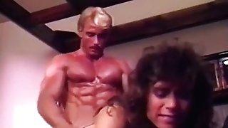 Muscular stud gets hump satisfaction